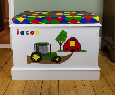 Upcycled toy box - after