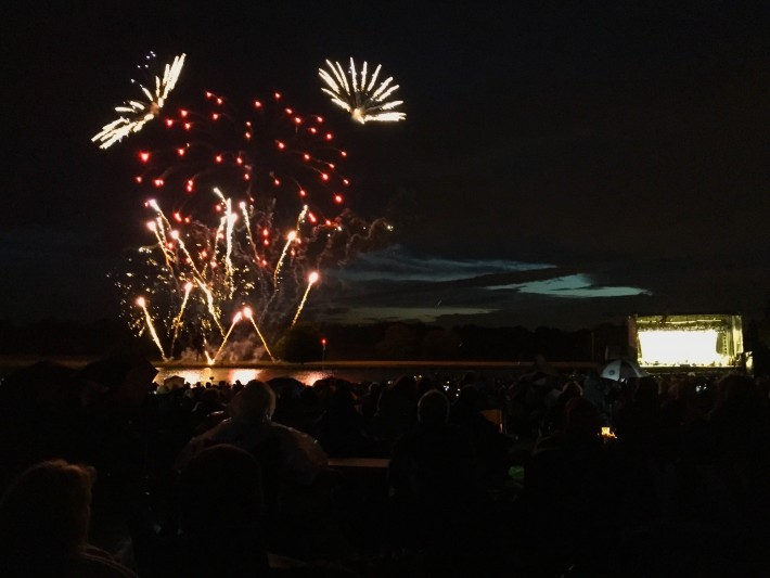 Halle Orchestra picnic concert at Tatton Park